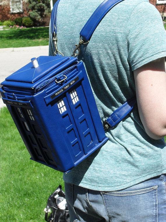 tardis-backpack-1
